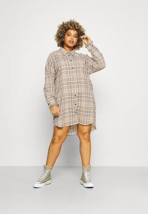 LONGLINE CHECKED SHIRT DRESS - Vestido camisero - sand
