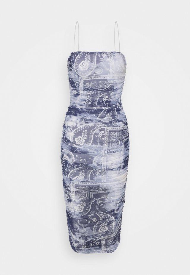 SCARF PRINT MIDAXI - Etui-jurk - blue