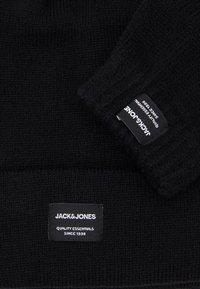 Jack & Jones - JACBEANIE GLOVE GIFTBOX SET - Gloves - black - 3
