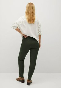 Violeta by Mango - ELASTIC - Trousers - kaki - 2