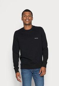 Calvin Klein - LOGO EMBROIDERY - Collegepaita - black - 0