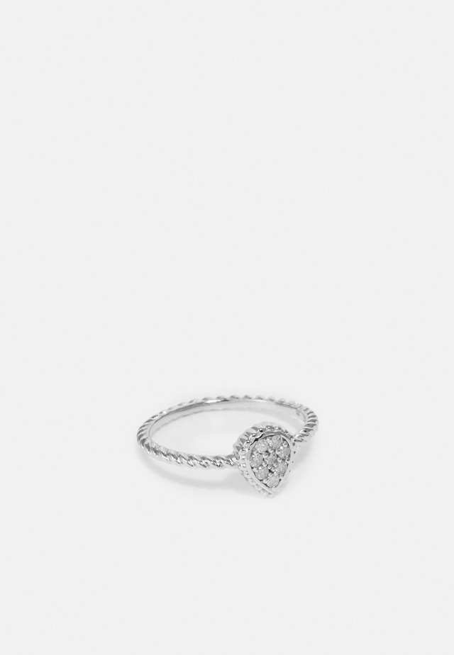 9KT WHITE GOLD 0.14CT CERTIFIED DIAMOND FASHION RING - Prsten - silver-coloured