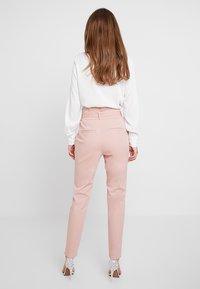 Vero Moda - VMEVA  - Pantalon classique - misty rose - 2