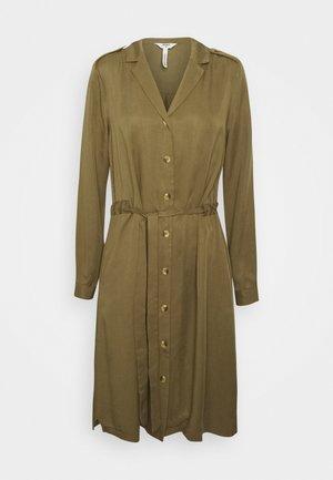 OBJTILDA BUTTON DRESS - Sukienka letnia - burnt olive
