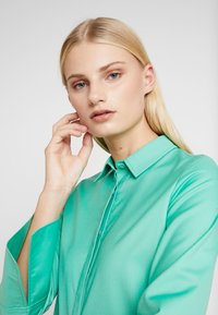 NORR - OLIVIA - Blouse - strong mint - 5