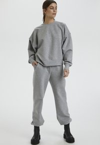 Gestuz - Tracksuit bottoms - light grey melange - 1