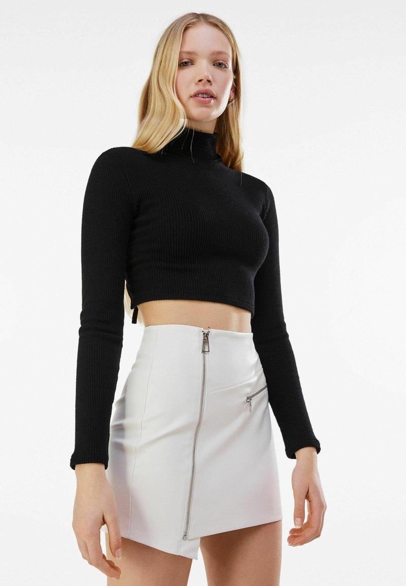 Bershka - MIT REISSVERSCHLUSS - Wrap skirt - stone