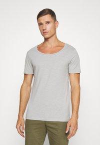 Pier One - T-shirt - bas - light grey - 0