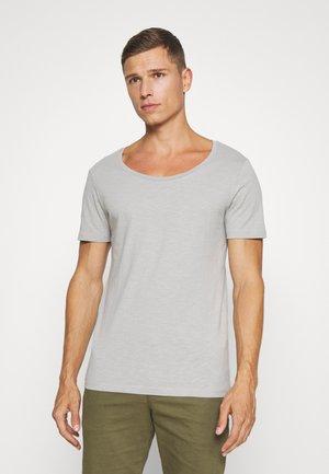 Jednoduché triko - light grey