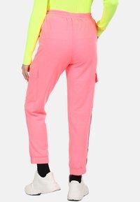 myMo ATHLSR - Trainingsbroek - neon pink - 2