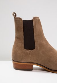 Shoe The Bear - ELI - Classic ankle boots - taupe - 5