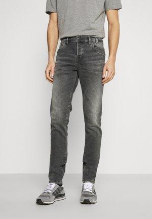 SERVANDO  - Slim fit jeans - dalton