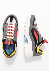 Skechers Sport - STAMINA - Trainers - charcoal/ red/yellow/ blue - 3