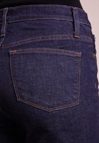 J.CREW - LOOKOUT - Jeans Slim Fit - classic rinse - 4