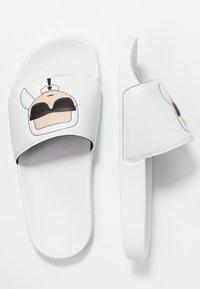 KARL LAGERFELD - KONDO IKONIC SLIDE - Pantofle - white - 3