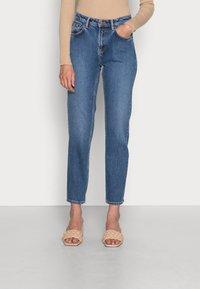 Nudie Jeans - STRAIGHT SALLY INDIGO AUTUMN - Straight leg jeans - indigo autumn - 0
