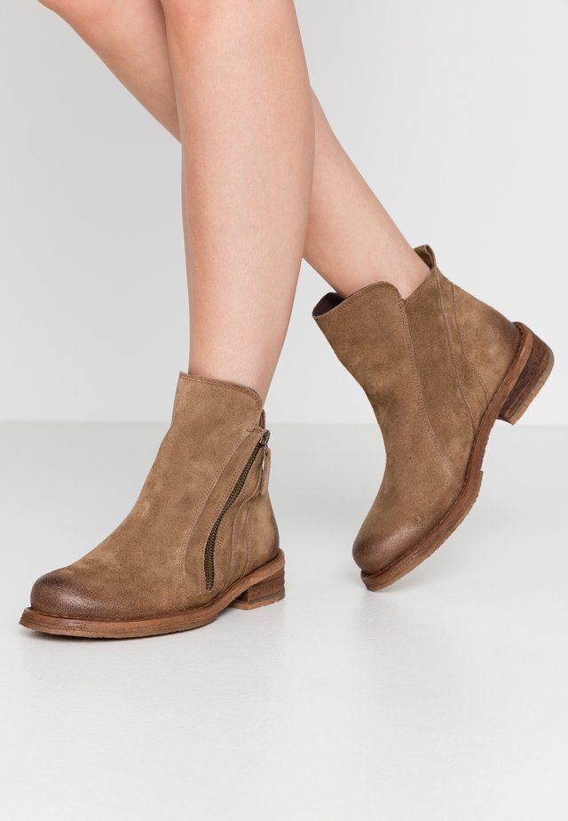 COOPER - Bottines - momma