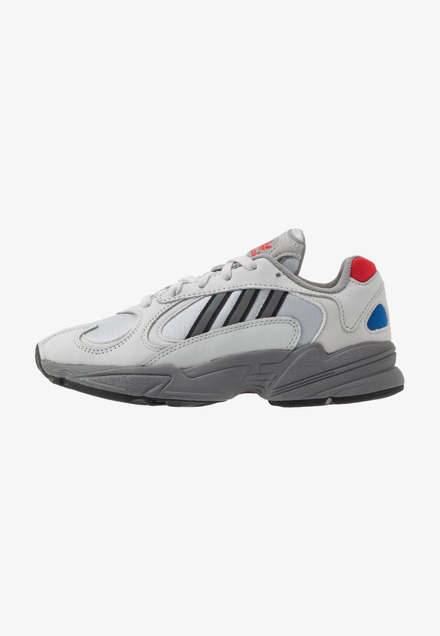 YUNG-1 - Sneakersy niskie - silver metallic/night metallic/grey two