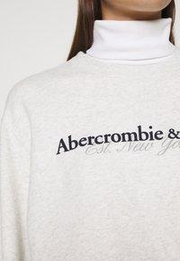 Abercrombie & Fitch - UPPER TIER LOGO CREW - Sweatshirt - grey heather - 4