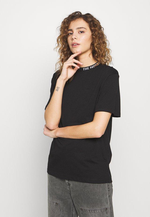 ZUMU TEE - Jednoduché triko - black