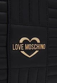 Love Moschino - QUILTED SOFT - Handbag - nero - 5