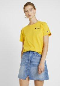 Champion Reverse Weave - SMAL SCRIPT CREWNECK  - Print T-shirt - old - 0