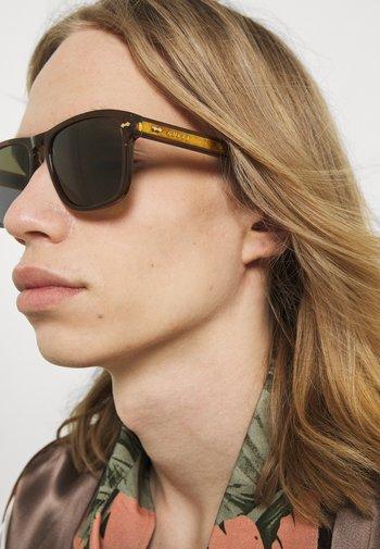 UNISEX - Occhiali da sole - brown/green
