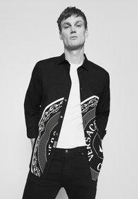 Versace Jeans Couture - Camicia - nero - 3