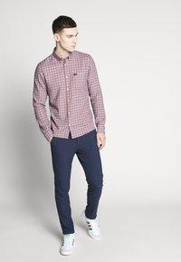 Jack & Jones - JJIMARCO JJCONNOR SOLI - Pantalones - navy blazer - 1