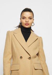 Miss Selfridge Petite - COAT - Klasický kabát - camel - 4
