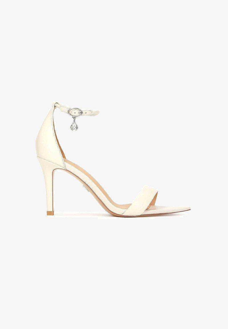 Kazar - Korolliset sandaalit - white