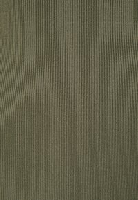 Guess - CHARLOTTE DRESS - Gebreide jurk - baja palm - 2