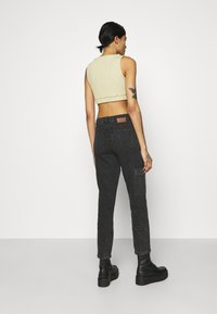Noisy May - NMMABEL MOM POCKET ANKLE PANTS - Jeans baggy - black - 2