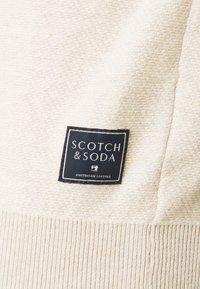 Scotch & Soda - CLASSIC HIGH NECK PULL - Jumper - ecru melange - 2