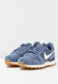Nike Sportswear - INTERNATIONALIST - Trainers - diffused blue/summit white/neutral indigo/sail/light brown - 2