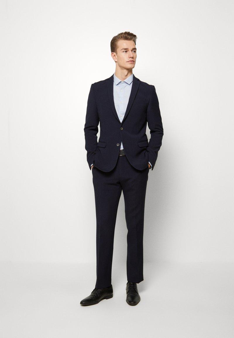Ben Sherman Tailoring - STRUCTURE SUIT - Kostuum - navy