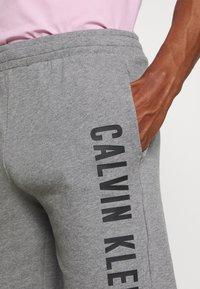 Calvin Klein Performance - SHORT - Sports shorts - grey - 4