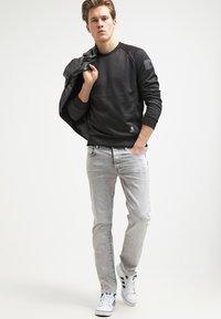 G-Star - 3301 STRAIGHT - Straight leg jeans - kamden grey stretch denim - 1