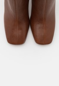 Bianca Di - High heeled ankle boots - brown - 5