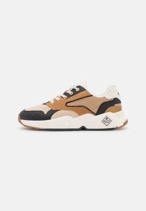NICEWILL - Sneakers - beige/black