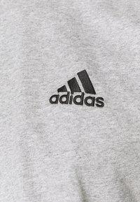 adidas Performance - ESSENTIALS - T-shirt basic - medium grey heather - 5