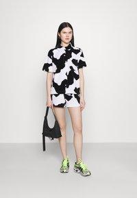 NEW girl ORDER - COW PRINT - Shorts - multi - 1