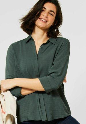 MIT HEMDKRAGEN - Button-down blouse - grün