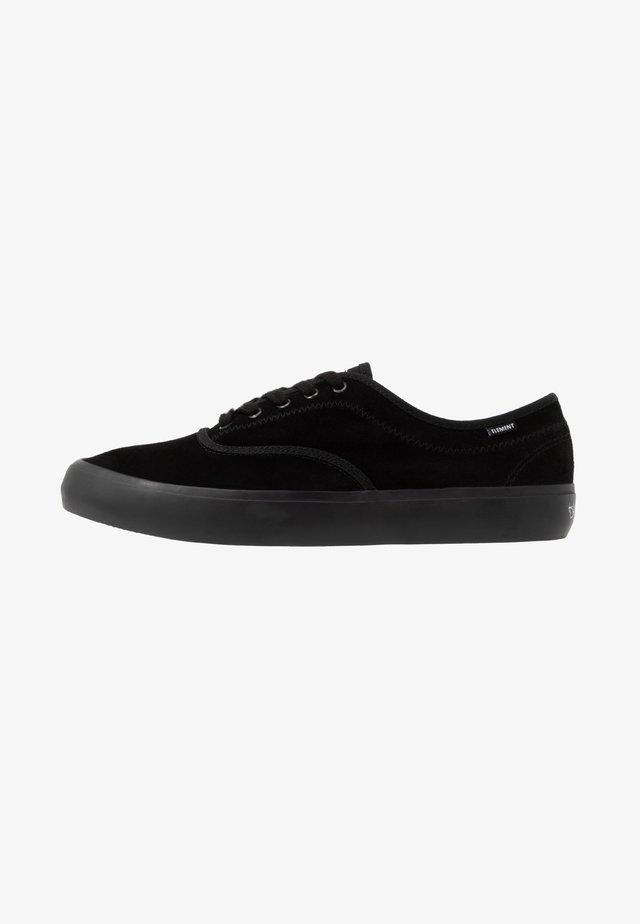 PASSIPH - Chaussures de skate - black