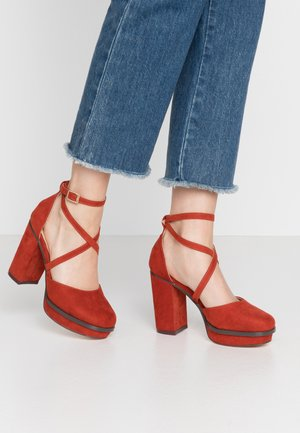 WIDE FIT BELLONA - Zapatos altos - rust