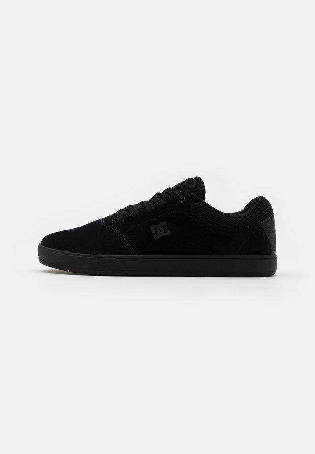 CRISIS - Chaussures de skate - black