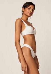 OYSHO - Bikiniöverdel - white - 3