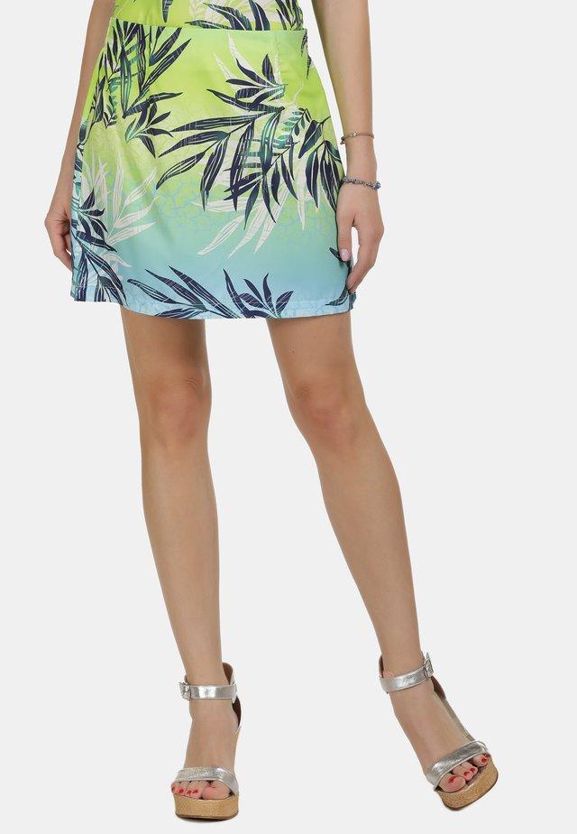 IZIA SOMMERROCK - Gonna a campana - tropical print