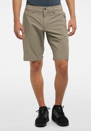 AMFIBIOUS SHORTS - Shorts - lichen
