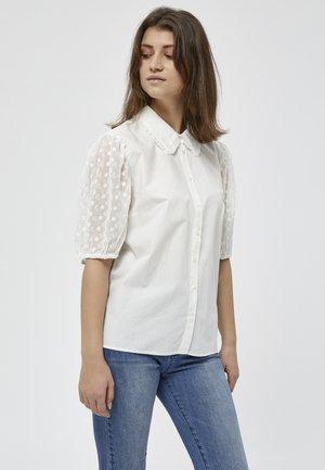 NIKOLINE  - Camisa - gardenia